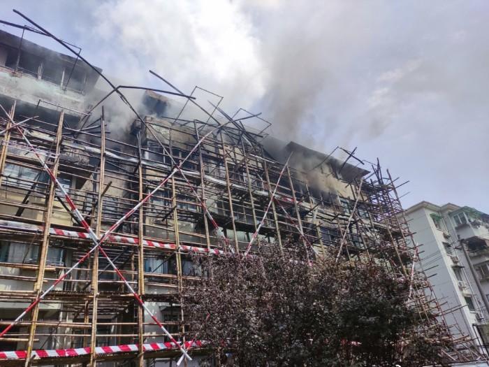 房屋修缮引大火——安全施工只是口号吗?