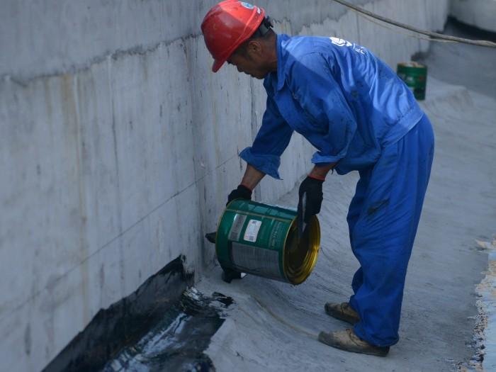 背水面防水施工